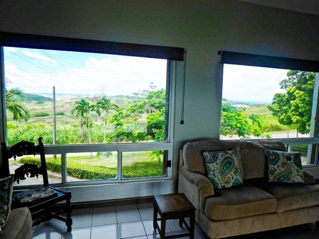 697 Turner living room view to Agana (80